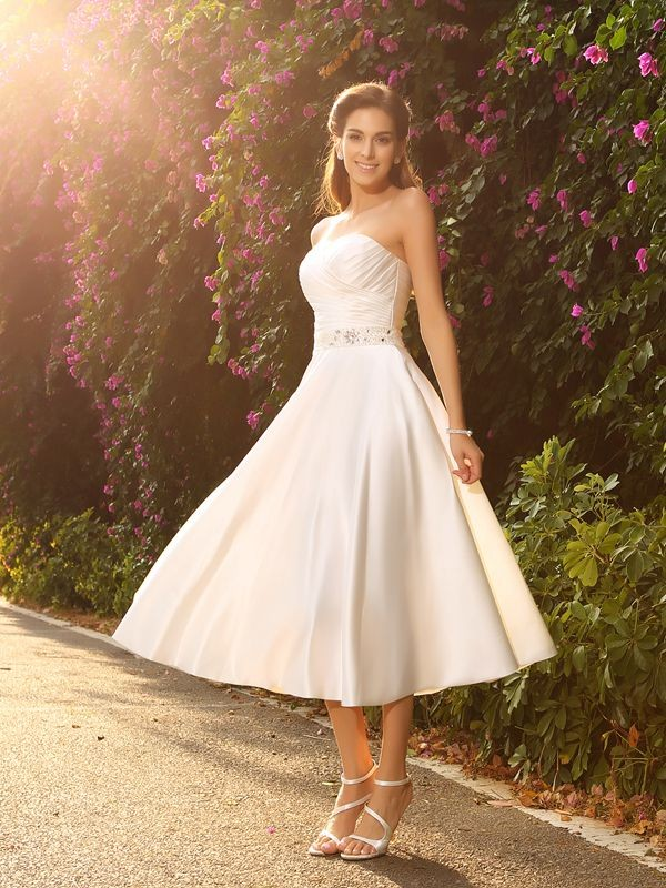 Stylish A-Line/Princess Beading Sleeveless Sweetheart Short Satin Wedding Dresses