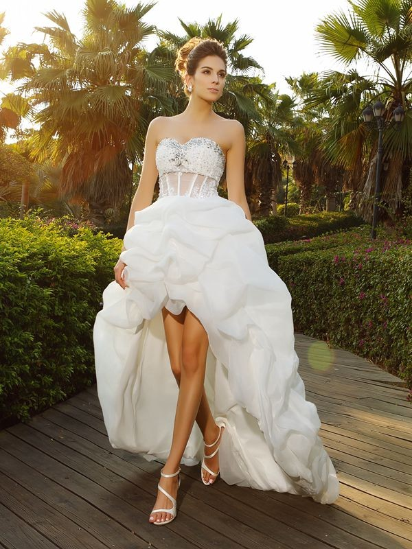 Fashion A-Line/Princess Beading Sleeveless Sweetheart High Low Organza Wedding Dresses