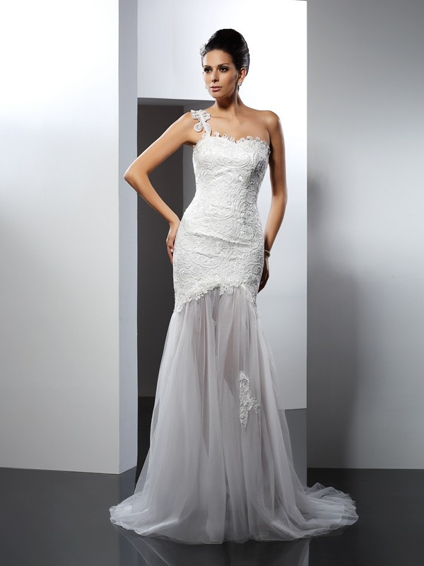 Stylish Trumpet/Mermaid Lace Sleeveless One-Shoulder Long Lace Wedding Dresses