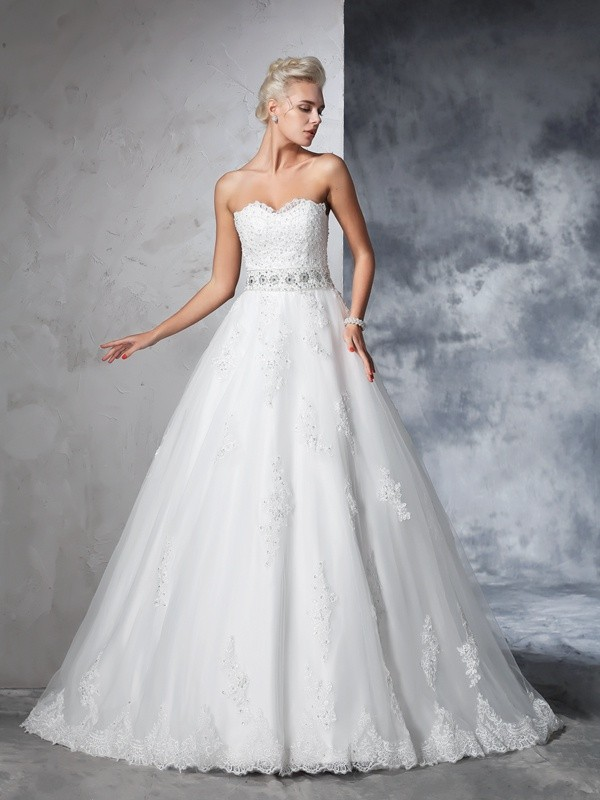 Stylish Ball Gown Applique Sleeveless Sweetheart Long Net Wedding Dresses