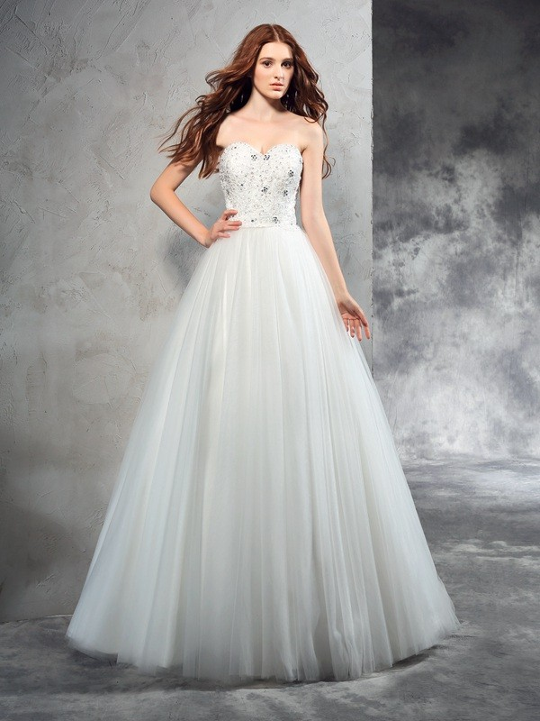 Fashion A-Line/Princess Beading Sleeveless Sweetheart Long Net Wedding Dresses