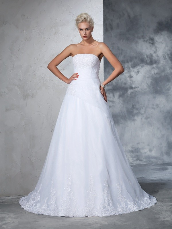 Fashion Ball Gown Applique Sleeveless Strapless Long Net Wedding Dresses