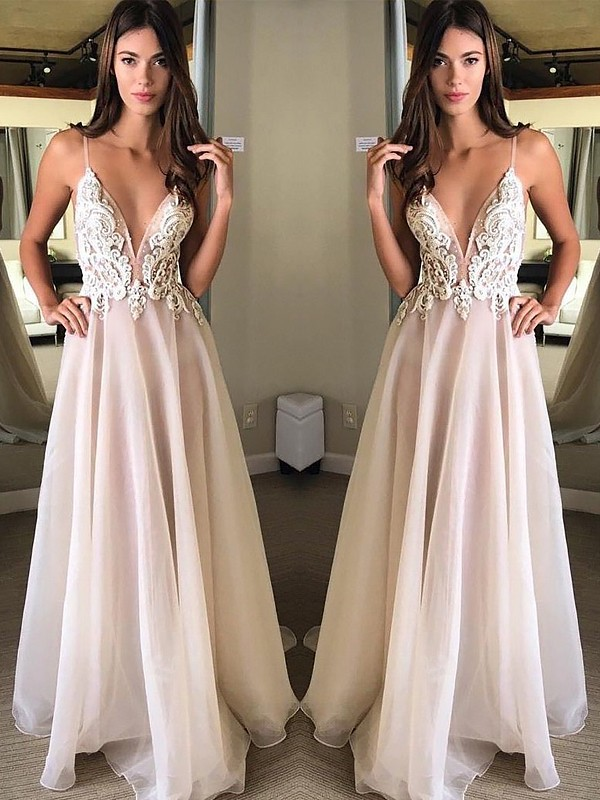 A-Line/Princess Spaghetti Straps Sleeveless Sweep Train Applique Chiffon Dresses