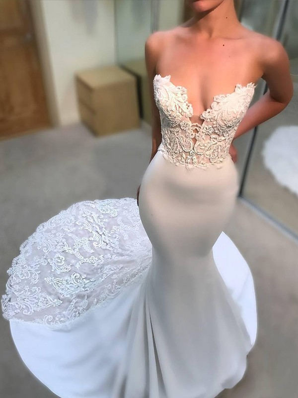 Trumpet/Mermaid V-neck Sleeveless Lace Court Train Satin Wedding Dresses