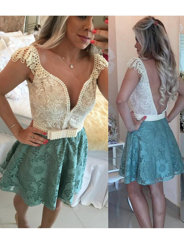 Fashion A-Line/Princess V-neck Beading Sleeveless Lace Short/Mini Dresses