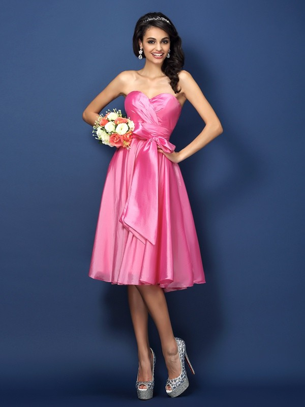 Women's Sleeveless Sweetheart Princess Dress