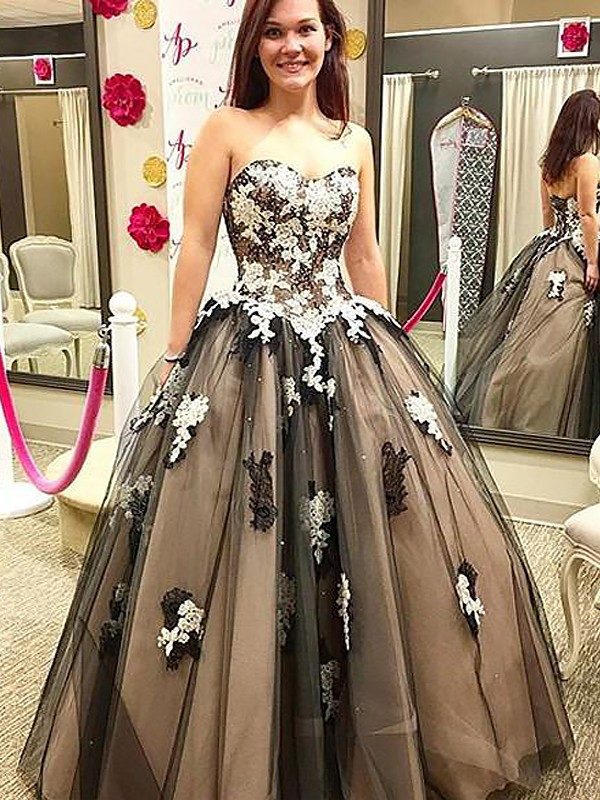 ee0a12f4374 Ball Gown Sleeveless Sweetheart Applique Floor-Length Tulle Dresses ...
