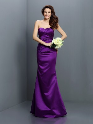 Fashion Trumpet/Mermaid Pleats Sleeveless Strapless Long Satin Bridesmaid Dresses