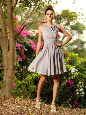Fashion A-Line/Princess Hand-Made Flower Scoop Sleeveless Short Chiffon Bridesmaid Dresses