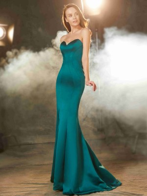 Fashion Trumpet/Mermaid Sleeveless Ruched Sweetheart Sweep/Brush Train Satin Dresses
