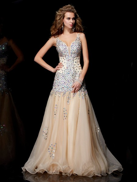 Stylish Sheath/Column Sleeveless Beading V-neck Long Organza Dresses