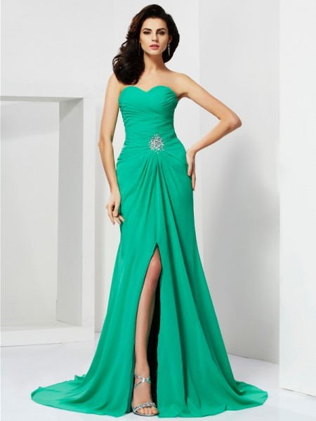 Stylish Sheath/Column Sweetheart Beading Sleeveless Long Chiffon Dresses