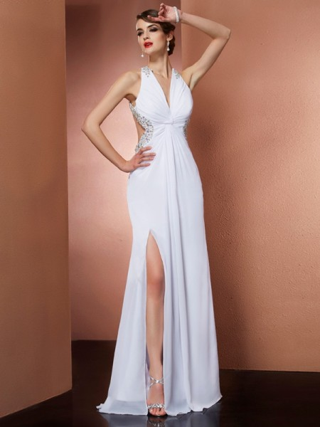 Fashion A-Line/Princess Sleeveless Applique Halter Beading Long Chiffon Dresses