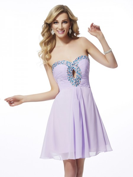 Stylish A-Line/Princess Sleeveless Beading Sweetheart Chiffon Short Homecoming Dresses