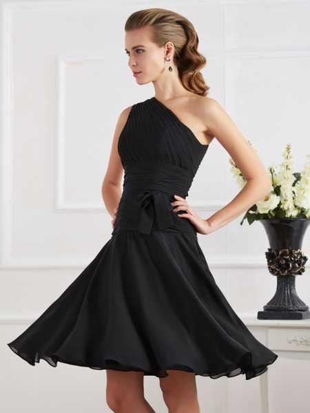 Stylish A-Line/Princess Sleeveless Pleats One-Shoulder Short Chiffon Homecoming Dresses