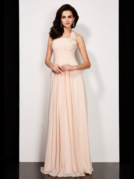 Fashion A-Line/Princess Sleeveless Pleats Halter Long Chiffon Dresses