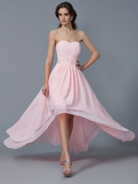 Stylish A-Line/Princess Sleeveless Beading Sweetheart High Low Chiffon Homecoming Dresses