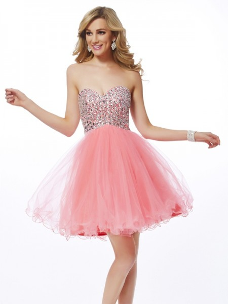Fashion A-Line/Princess Sleeveless Beading Sweetheart Short Net Homecoming Dresses