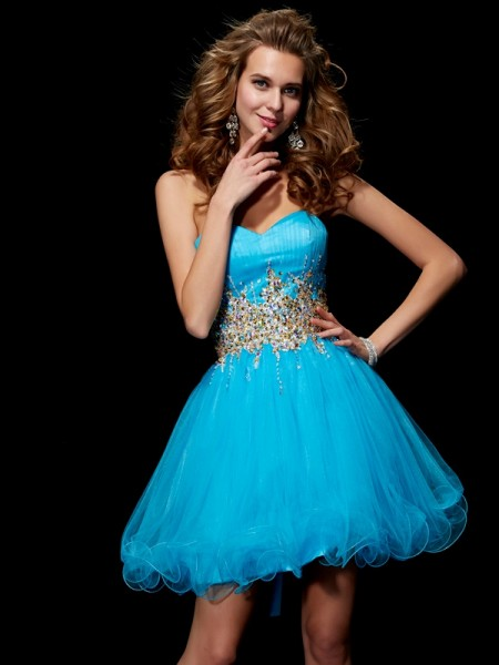 Stylish A-Line/Princess Sleeveless Beading Sweetheart Short Net Homecoming Dresses
