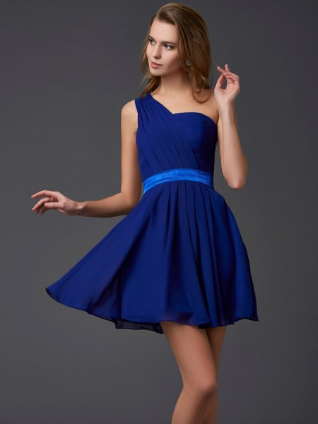 Fashion A-Line/Princess Sleeveless Pleats One-Shoulder Short Chiffon Homecoming Dresses
