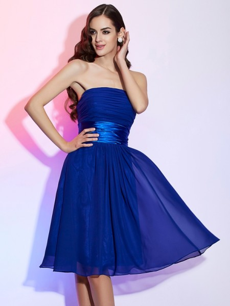 Stylish A-Line/Princess Sleeveless Bowknot Strapless Short Chiffon Homecoming Dresses