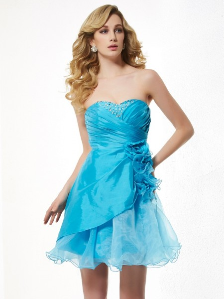 Stylish A-Line/Princess Sleeveless Beading Sweetheart Short Taffeta Homecoming Dresses