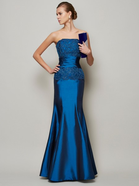 Stylish Trumpet/Mermaid Sleeveless Applique Strapless Beading Long Taffeta Dresses