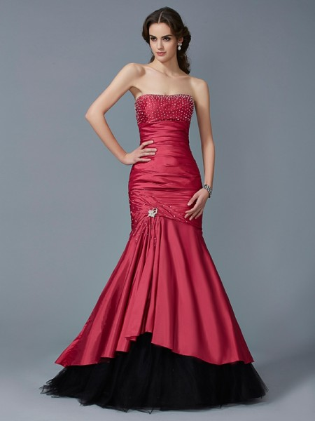 Fashion Trumpet/Mermaid Sleeveless Beading Strapless Long Taffeta Dresses