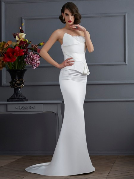 Stylish Trumpet/Mermaid Sleeveless Hand-Made Strapless Flower Long Satin Dresses