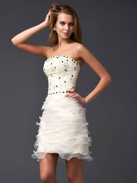 Fashion Sheath/Column Sleeveless Beading Strapless Short Tulle Homecoming Dresses