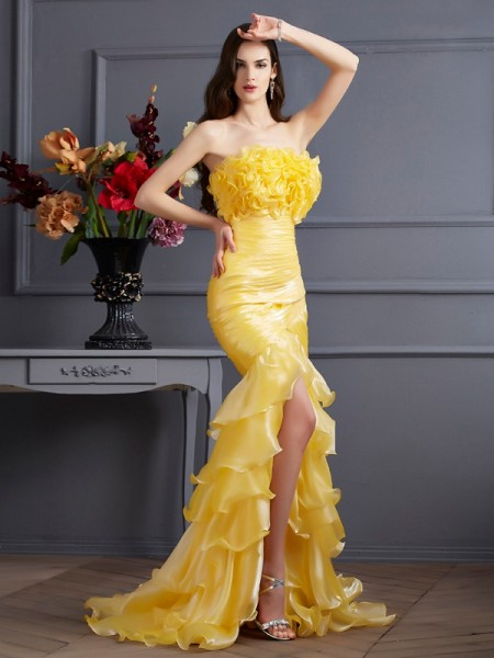 Stylish Trumpet/Mermaid Sleeveless Ruffles Strapless Long Tulle Dresses