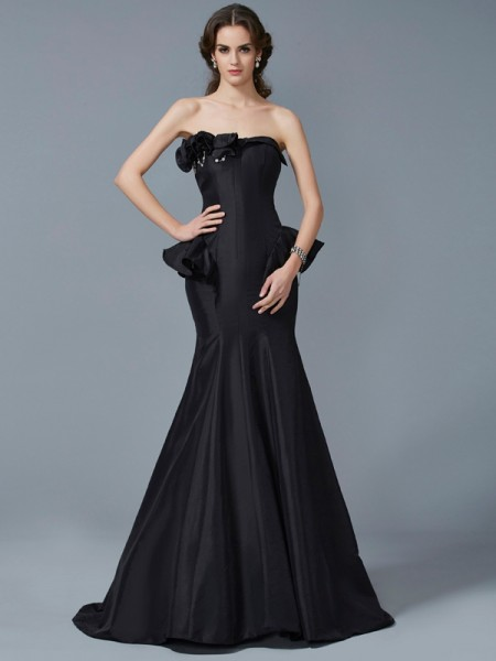 Stylish Trumpet/Mermaid Sleeveless Ruffles Strapless Long Taffeta Dresses