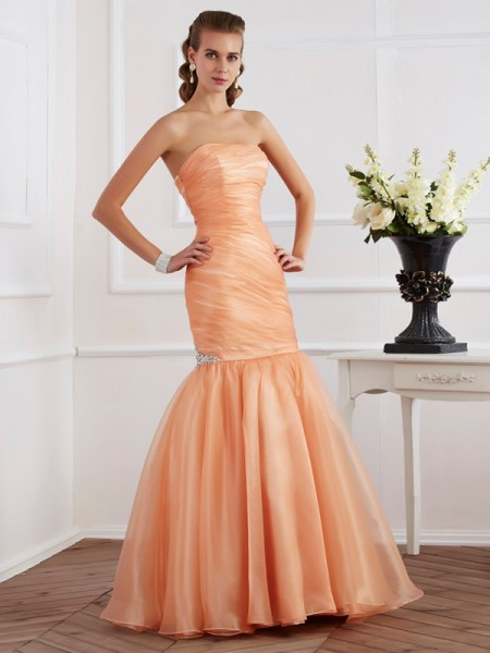 Stylish Trumpet/Mermaid Sleeveless Beading Strapless Long Tulle Dresses