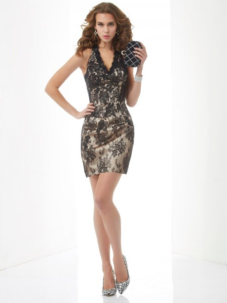 Stylish Sheath/Column Sleeveless Lace Halter Short Lace Homecoming Dresses