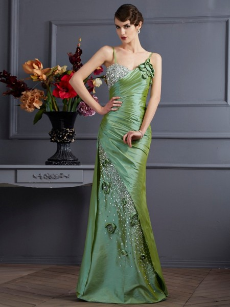 Stylish Trumpet/Mermaid Straps Sleeveless Spaghetti Beading Long Taffeta Dresses