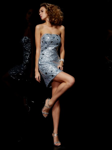 Stylish Sheath/Column Sleeveless Lace Strapless Short Lace Homecoming Dresses