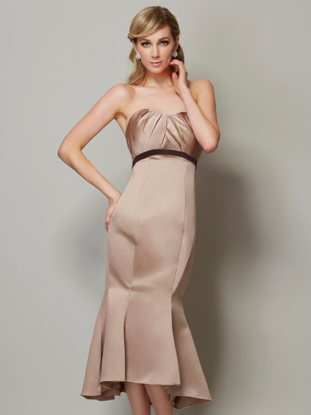 Fashion Sheath/Column Sleeveless Sash/Ribbon/Belt Strapless Short Satin Dresses