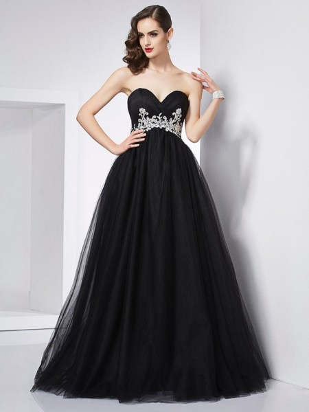 Fashion Ball Gown Sleeveless Applique Sweetheart Long Net Quinceanera Dresses