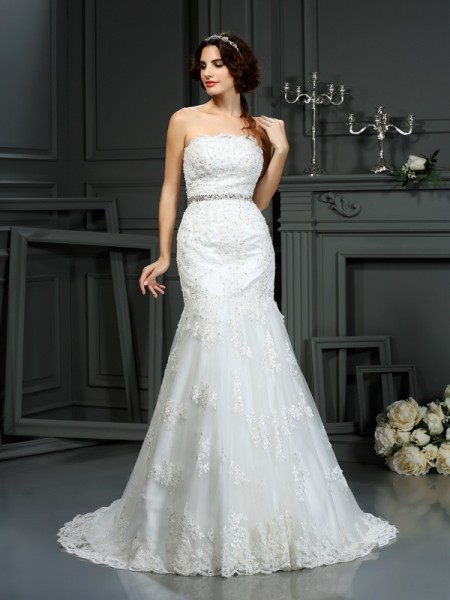 Stylish Trumpet/Mermaid Beading Sleeveless Strapless Long Lace Wedding Dresses