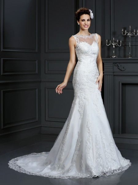 Fashion Sheath/Column Lace Sleeveless Bateau Long Satin Wedding Dresses