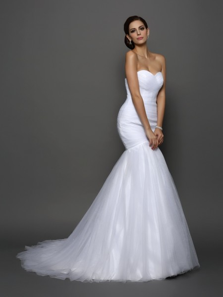 Stylish Trumpet/Mermaid Pleats Sleeveless Sweetheart Long Net Wedding Dresses