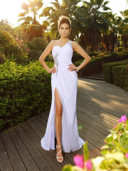 Fashion A-Line/Princess Beading Sleeveless One-Shoulder Long Chiffon Wedding Dresses