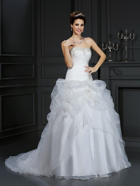 Stylish Ball Gown Beading Sleeveless Strapless Long Organza Wedding Dresses