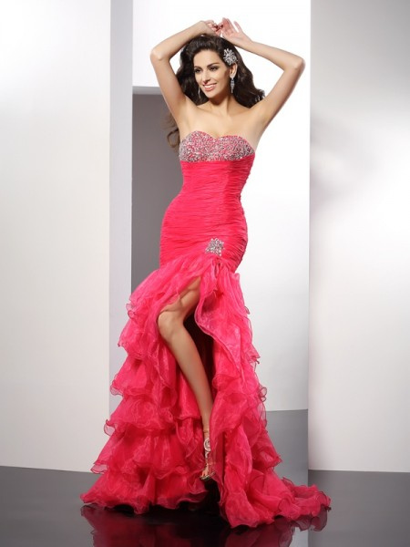 Stylish Sheath/Column Beading Sleeveless Sweetheart Long Organza Dresses