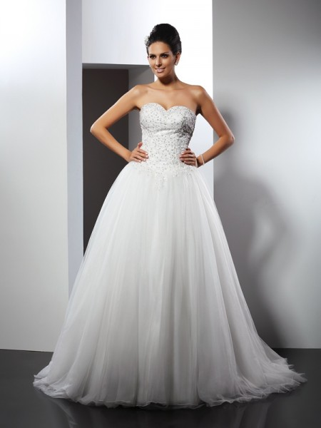 Fashion A-Line/Princess Applique Sleeveless Sweetheart Long Net Wedding Dresses