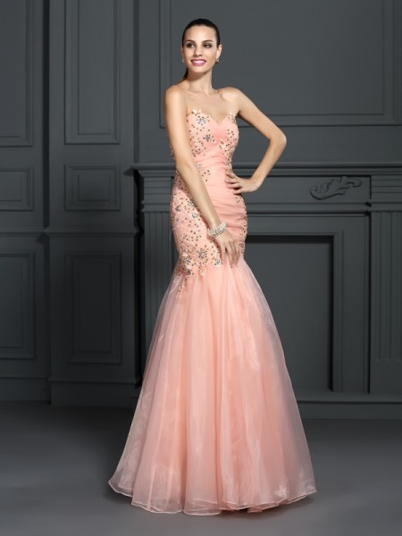 Fashion Trumpet/Mermaid Applique Sleeveless Sweetheart Long Organza Dresses