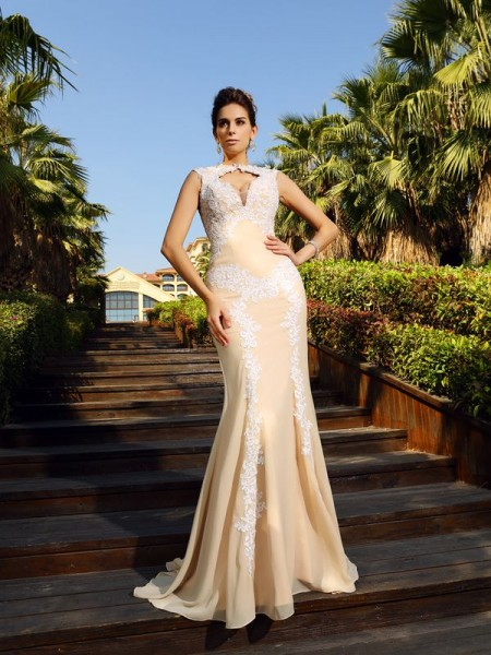 Fashion Sheath/Column Applique Sleeveless High Neck Long Chiffon Dresses