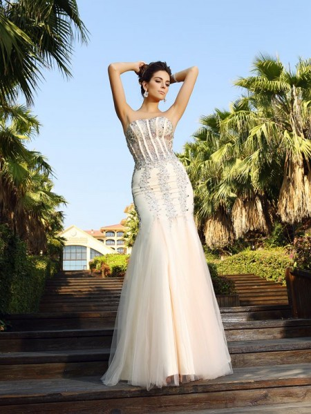 Stylish Trumpet/Mermaid Beading Sleeveless Strapless Long Satin Dresses
