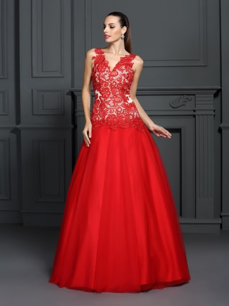 Fashion Ball Gown Lace Sleeveless V-neck Long Lace Quinceanera Dresses