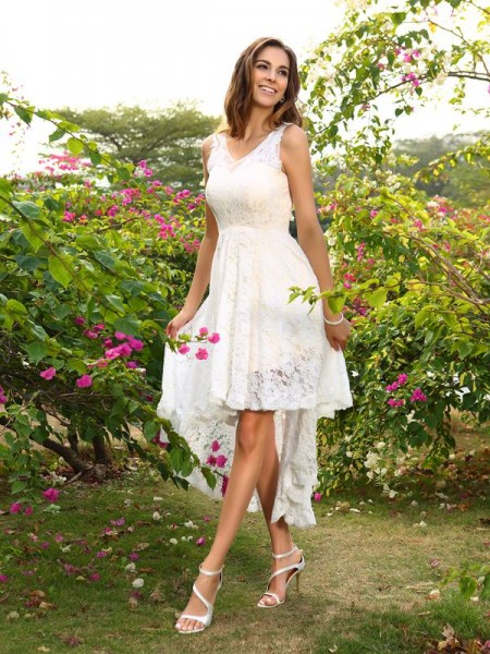 Fashion A-Line/Princess Lace Sleeveless V-neck High Low Lace Bridesmaid Dresses
